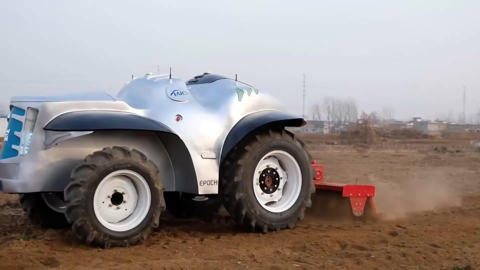動画:電動無人操縦のスーパートラクター、実地耕作に初導入