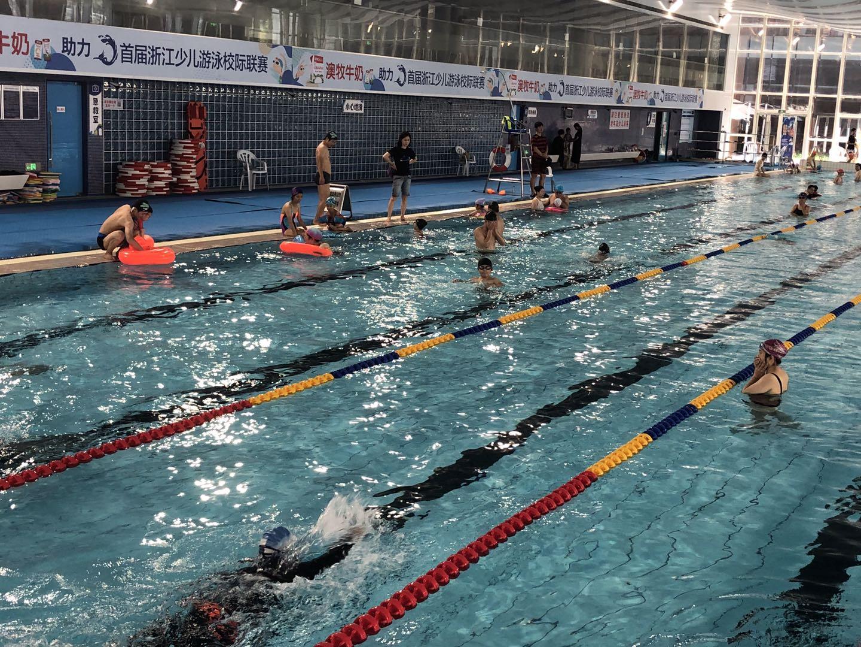 杭州市拱墅区游泳馆_体育消费持续回暖 信心比黄金更重要